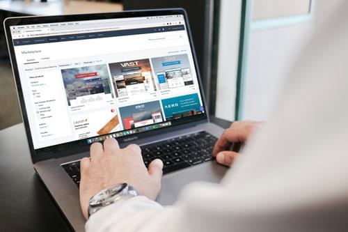 Få hjælp til at skabe en hjemmeside til din virksomhed